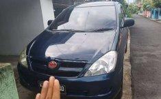 Mobil Toyota Kijang Innova 2004 2.0 G terbaik di Kalimantan Barat