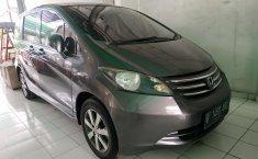 Jual mobil Honda Freed PSD AT 2011 dengan harga terjangkau di Jawa Barat