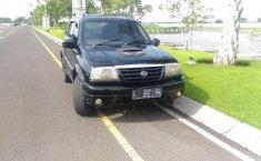 Jawa Timur, dijual mobil Suzuki Escudo 2.0i Manual 2001 bekas