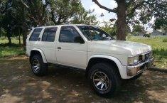 Nissan Terrano 1995 Jawa Barat dijual dengan harga termurah