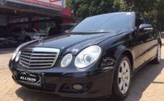 Jual cepat mobil Mercedes-Benz E-Class E 200 K 2009 di Banten