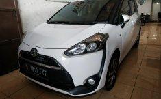 Jual mobil Toyota Sienta V AT 2016 terbaik di Jawa Barat