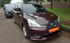 Jual Mobil Nissan Grand Livina Highway Star 2014 di Bekasi