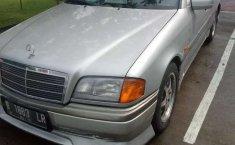 Jawa Barat, jual mobil Mercedes-Benz C-Class C200 1996 dengan harga terjangkau