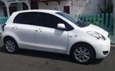 Mobil Toyota Yaris 2011 J terbaik di Jawa Tengah