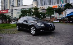 Dijual Mobil Mercedes-Benz C-Class C200 2011 di Jawa Timur