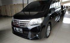 Jual cepat mobil Nissan Serena 2.0 AT 2013 di Jawa Barat