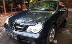 Mobil Mercedes-Benz C-Class 2001 C200 dijual, Jawa Tengah