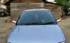 Jual mobil bekas murah Hyundai Trajet 2002 di Riau