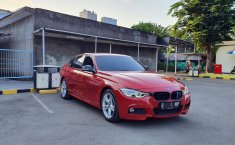 Jual mobil BMW 3 Series F30LCI 320i 2015 terawat di DKI Jakarta