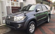 Mobil Toyota Fortuner 2010 G dijual, Jawa Timur