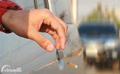 3 Bahaya Besar Membuang Puntung Rokok Dari Dalam Mobil