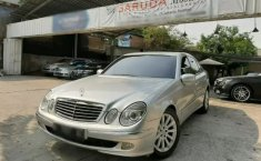 DKI Jakarta, Dijual mobil Mercedes-Benz E-Class E 240 Elegance 2003 bekas
