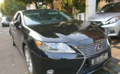 Jual mobil Lexus ES 300 Hybrid 2014 terawat di Jawa Barat
