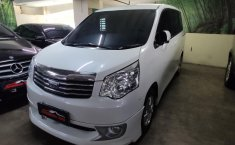 Jual Mobil Bekas Toyota NAV1 V 2013 di DKI Jakarta
