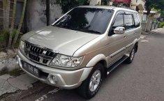 Jual Isuzu Panther GRAND TOURING 2010 harga murah di Jawa Timur
