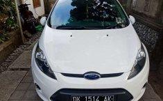 Mobil Ford Fiesta 2013 Trend terbaik di Bali
