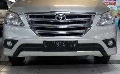 Mobil Toyota Kijang Innova 2014 2.0 G dijual, Jawa Timur
