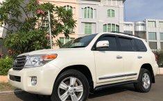 Jual Cepat Mobil Toyota Land Cruiser 4.5 V8 Diesel 2012 di Tangerang Selatan
