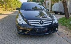 Mobil Mercedes-Benz R-Class 2010 R 280 dijual, Jawa Timur