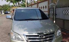 Jawa Timur, jual mobil Toyota Kijang Innova 2.0 G 2013 dengan harga terjangkau