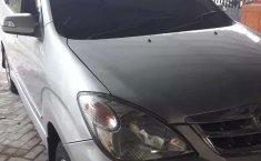 Jawa Timur, jual mobil Daihatsu Xenia Li 2010 dengan harga terjangkau