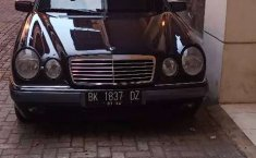 Mercedes-Benz E-Class 1996 Sumatra Utara dijual dengan harga termurah