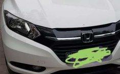 Jual mobil bekas murah Honda HR-V E CVT 2017 di Riau
