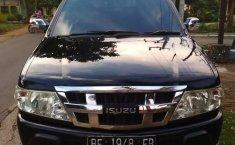 Mobil Isuzu Panther 2012 LS terbaik di Lampung
