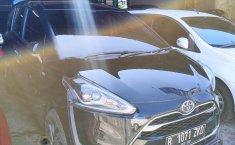 Jual mobil Toyota Sienta Q 2017 harga murah di Jawa Barat