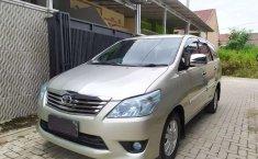 Mobil Toyota Kijang Innova 2012 2.5 G terbaik di Lampung