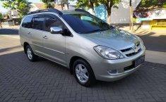 Jawa Timur, Toyota Kijang Innova 2.0 G 2006 kondisi terawat