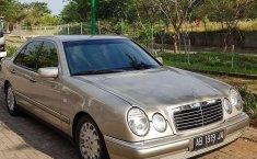 Jual Mercedes-Benz E-Class E 320 1997 harga murah di Jawa Tengah