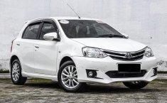 Dijual cepat Toyota Etios Valco G 2015 di Depok