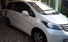 Mobil Honda Freed 2012 E terbaik di Jawa Barat