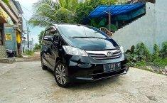 Dijual mobil bekas Honda Freed E, Jawa Timur