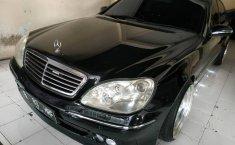 Jual Mobil Bekas Mercedes-Benz 220E 2.2 Automatic 2000 di DIY Yogyakarta