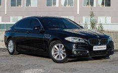 Jual mobil BMW 5 Series 528i 2011 harga murah di Jawa Timur