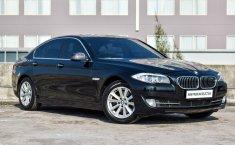 Dijual mobil BMW 5 Series 520i 2012 harga murah di Jawa Timur