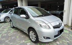 Jawa Timur, Dijual mobil Toyota Yaris E 2010 bekas