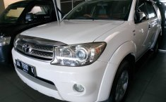 DIY Yogyakarta, Dijual mobil Toyota Fortuner G 2011 bekas