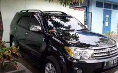Jual cepat Toyota Fortuner G 2010 di Banten
