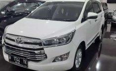 Jual Toyota Kijang Innova V Luxury 2017 harga murah di Jawa Timur