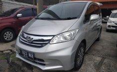 Jual Mobil Bekas Honda Freed SD 2012 di Bekasi