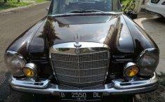 Jual mobil bekas murah Mercedes-Benz S-Class S 280 1971 di Banten