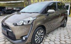 Jawa Tengah, Toyota Sienta V 2017 kondisi terawat