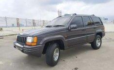 Jual mobil bekas Jeep Grand Cherokee 4.0 Limited 4x4 2000