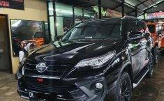 Dijual mobil bekas Toyota Fortuner VRZ, Bali
