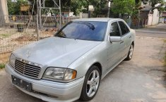 Jual mobil Mercedes-Benz C-Class C200 1995 bekas, Banten