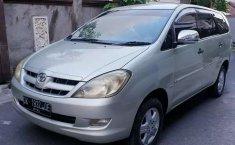 Mobil Toyota Kijang Innova 2005 2.0 G terbaik di Bali